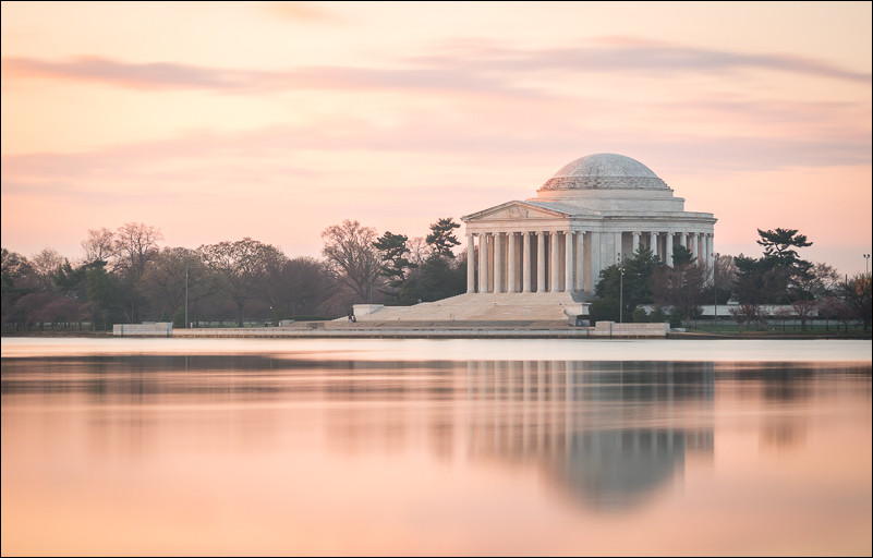 Dawn at the Jefferson Memorial, Washington, DC. Olympus 40-150 at 66mm and f5.