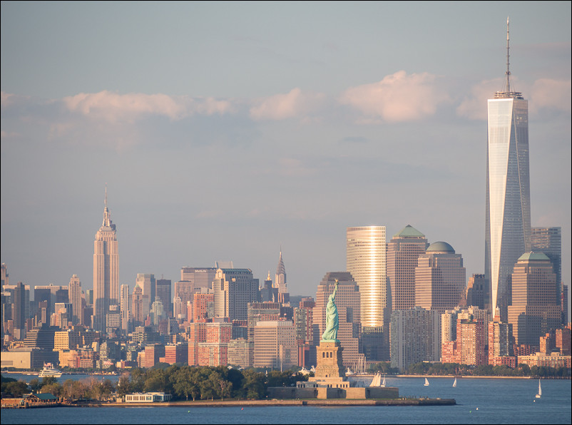 Lower Manhattan. Olympus 40-150 at 135mm and f5.5