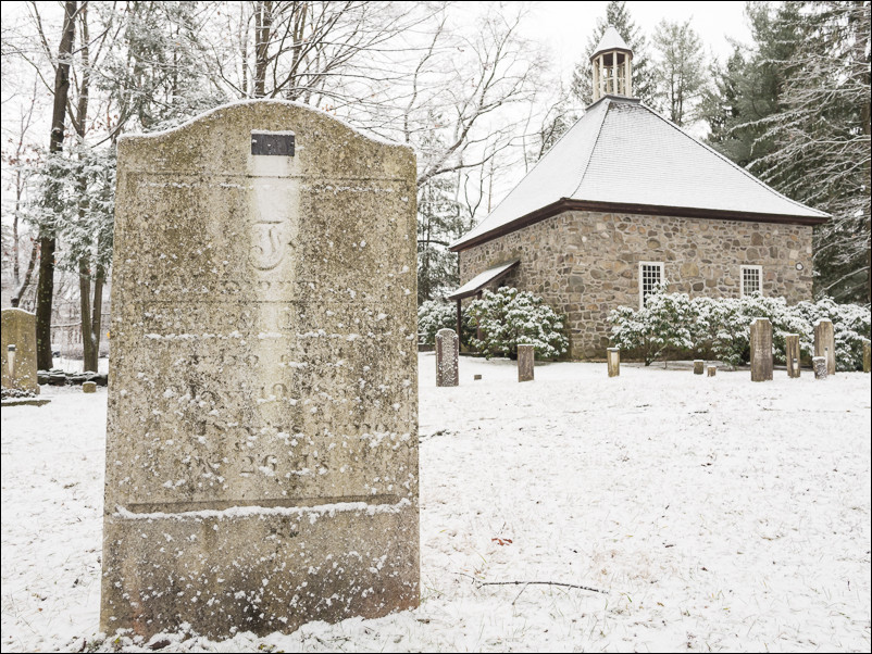 Old French Church and graveyard | New Paltz, NY
