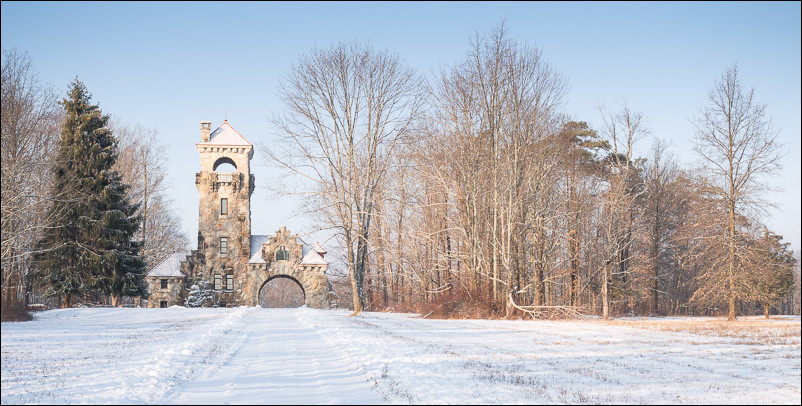Fresh snow at the Mohonk Preserve Gatehouse | New Paltz, NY