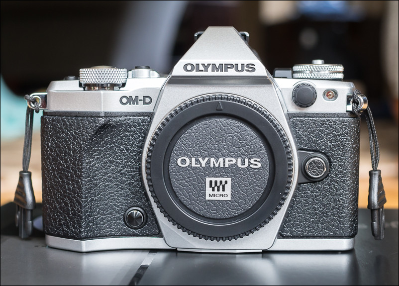 48 Hours with the Olympus OM-D E-M5 Mark II - Less Gear || More Photos